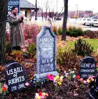 Image: trumpeter, tombstones