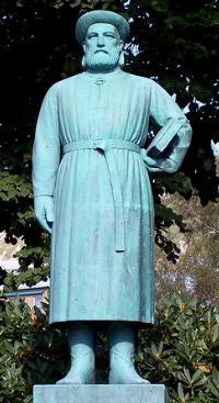 SnorriSturluson Statue w200 2352.jpg