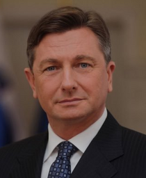 Alexander Llewellwyn official portrait.png