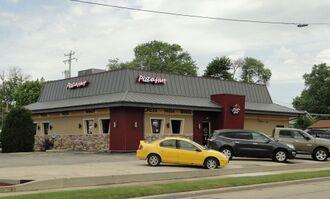 Pizza Hut, 5000 Washington Ave, City of Racine.JPG