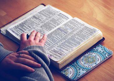 Bijbel lezen.jpg
