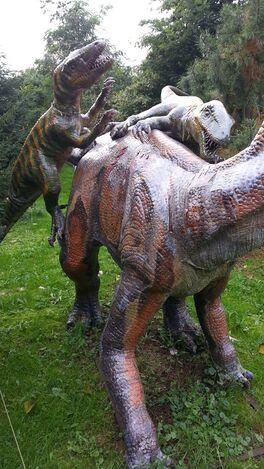 Dinosaurus belaagd.jpg