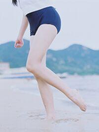 足のきれいな女の子