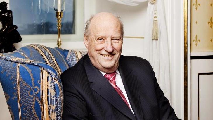 Harald V, re di Norvegia - specchiato.jpg