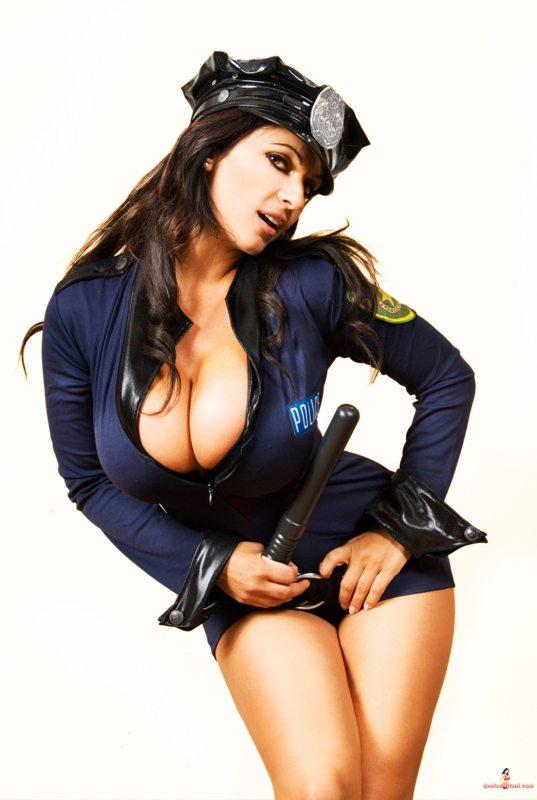 Сексуальные девушки в полицейской форме фото