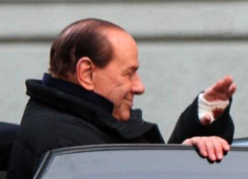 Berlusconi con stigmate.jpg