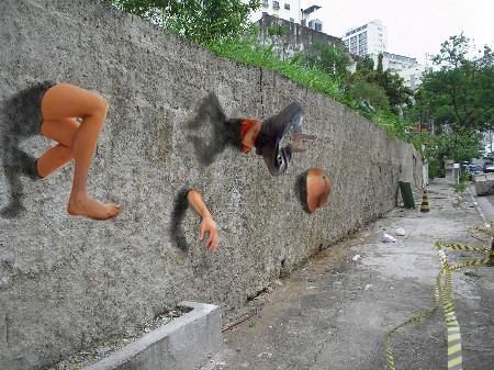 Muro con pezzi di corpo.JPG