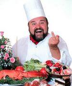Cuoco che fa il dito medio.jpg