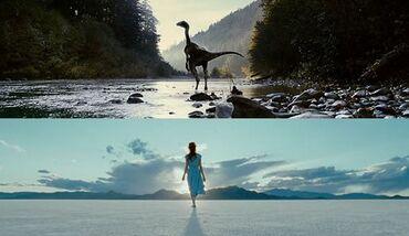 Prova inevocabile dell'uguaglianza della silhouette della donna con quella del velociraptor. Hanno tentato di nascondere questo plagio in una scena proveniente dallo stesso film, ma noi siamo molto più furbi.