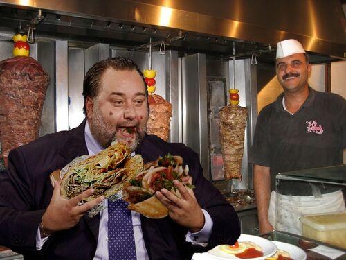 Franco Fiorito dal kebabbaro.jpg