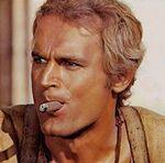 Terence Hill - Trinità con sigaro in bocca.jpg
