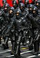 Militari in divisa anti sommossa.jpeg