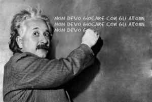 Albert Einstein lavagna.jpg