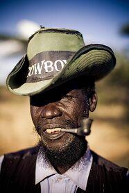 Un Afroitaliano ed un negro a confronto: la differenza è abissale.