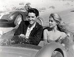 Elvis f1 con donna.jpg