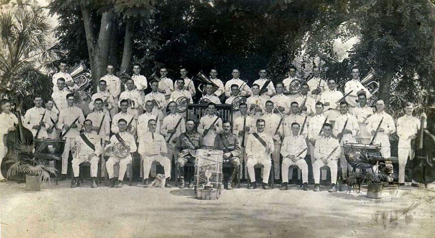 1st Border Regiment Band, Karachi 1923 postcard.jpg